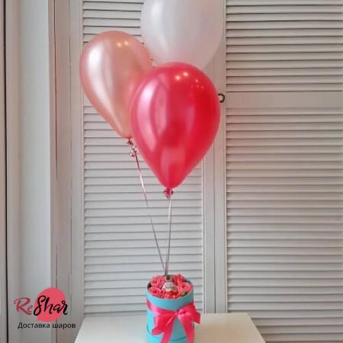 Коробка с цветами и конфетами киндер, шарики №21
