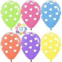 Воздушные шары с гелием с рисунком «Цветное ассорти с белыми сердцами»