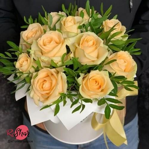 Цветы в белой коробке, Кремовая роза 15шт №69