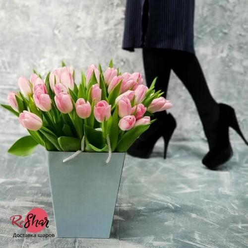Цветы в зелёной коробке, Розовые тюльпаны 39шт №80