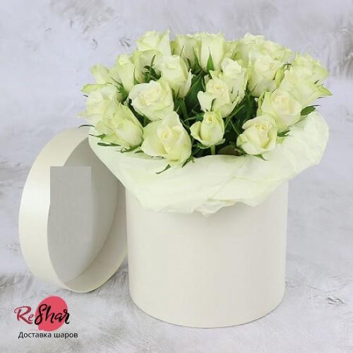 Цветы в белой коробке, белая роза 25шт, №25