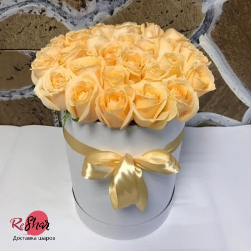 Цветы в белой коробке, кремовая роза 29шт, №37
